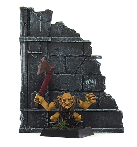 Heroquest goblin with axe